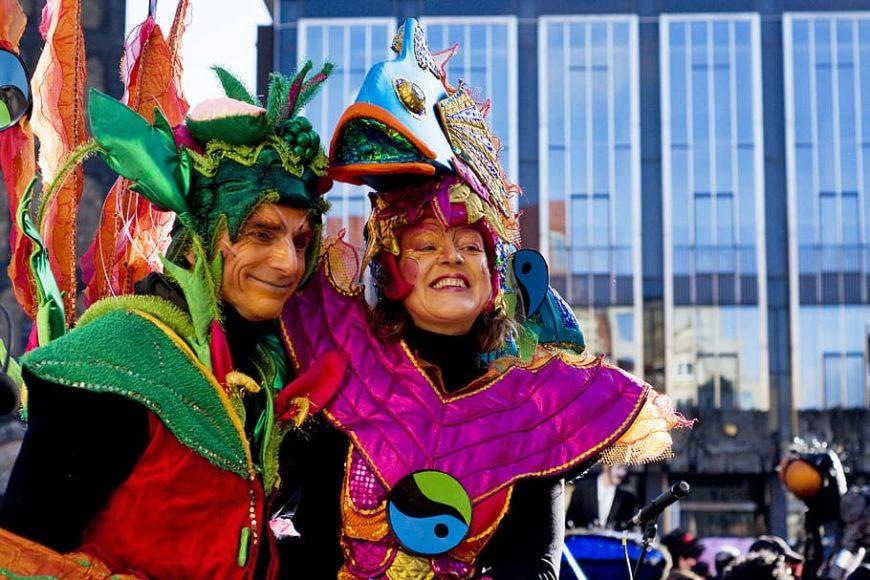 Maquillaje y desmaquillante en carnaval