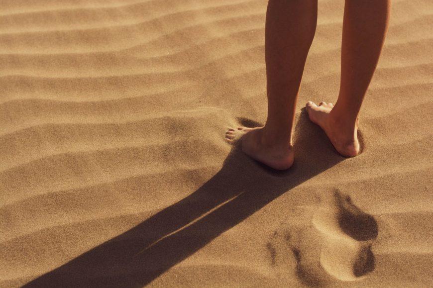 Descubre cómo cuidar tus pies en verano